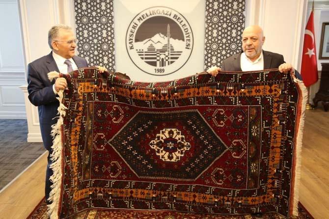 Hak-İş Konfederasyonu Genel Başkanı Mahmut Arslan'dan Melikgazi Belediyesi'ne ziyaret