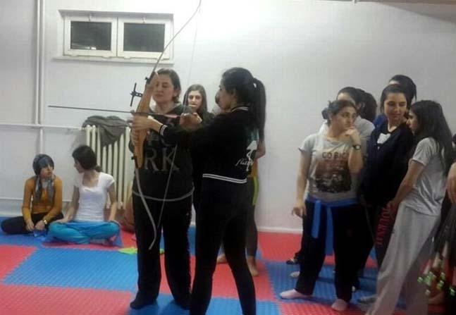 Kızlar Ata sporuna gönül verdiler