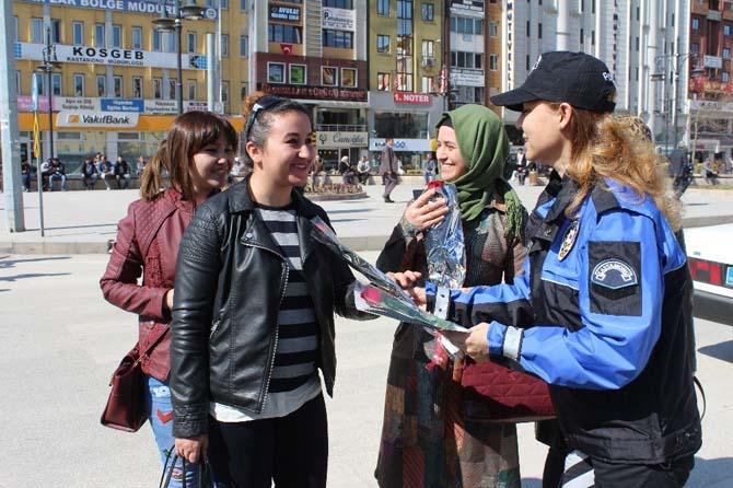 Polis, Kadınlar Gününü kutladı