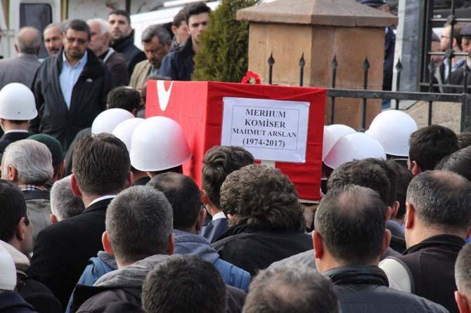 Görevi başında şehit olan komiser Arslan, Yozgat'ta son yolculuğuna uğurlandı