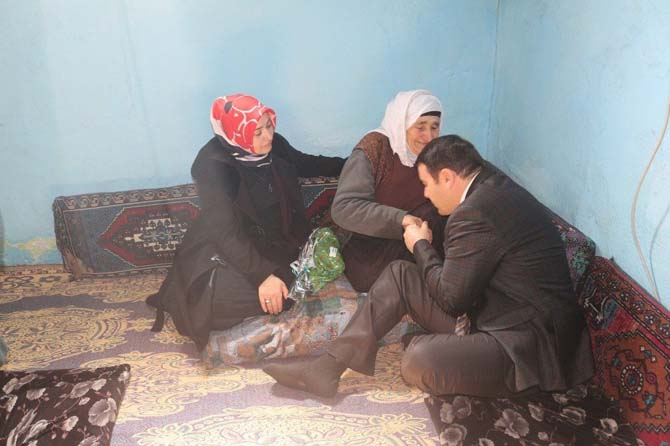 Vali Işın'dan yaşlı kadınlara ziyaret