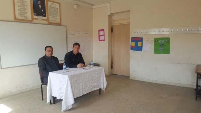 Besni Şehit İmam Tan Ortaokulunda meslek tanıtımı yapıldı