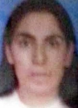 Evinde öldürülmüş halde bulundu, oğlu şüpheli olarak aranıyor