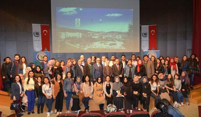 Düzce Üniversitesi Milli Şairimiz Mehmet Akif Ersoy'un torununu ağırladı