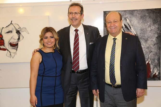 Başkan Özakcan, 'Dün, Bugün, Yarın' isimli resim sergisinin açılışına katıldı