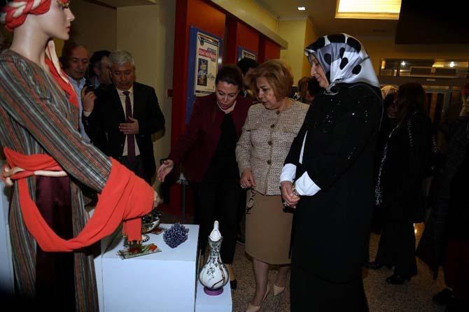 Başkan Çelik'in eşi İkbal Çelik Kayseri Olgunlaşma Enstitüsü'nün programına katıldı