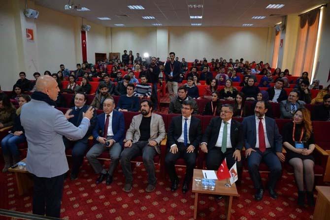 Şeyh Edebali Üniversitesi'nde konferans