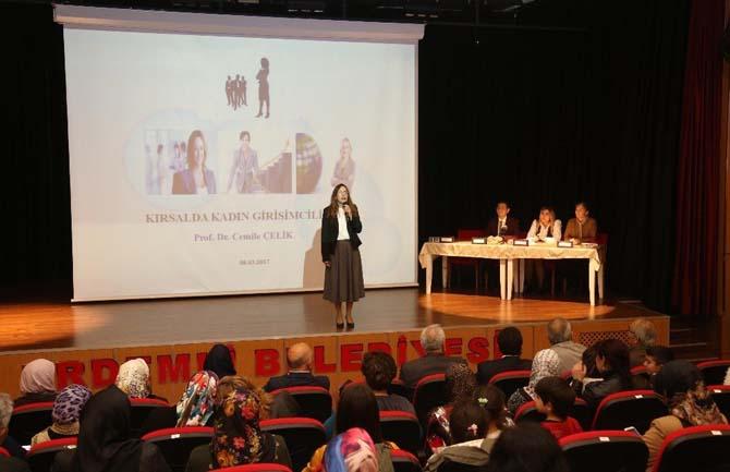 Erdemli'de kadınlara özel program