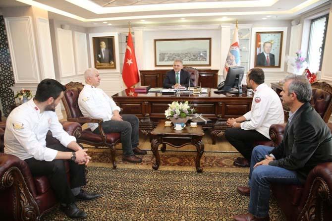 Pastacılar ve Aşçılar Derneği Başkan Büyükkılıç'ı ziyaret etti