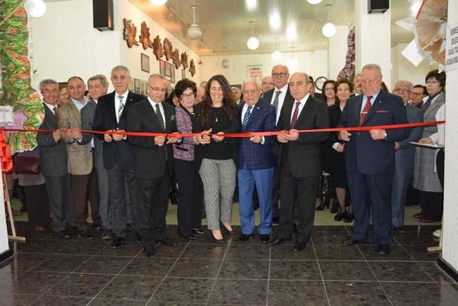 İzmirli sanatçılardan Salihli'de resim sergisi