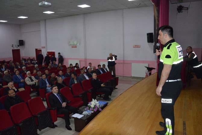 Niksar'da Servis Şoförlerine Seminer Verildi