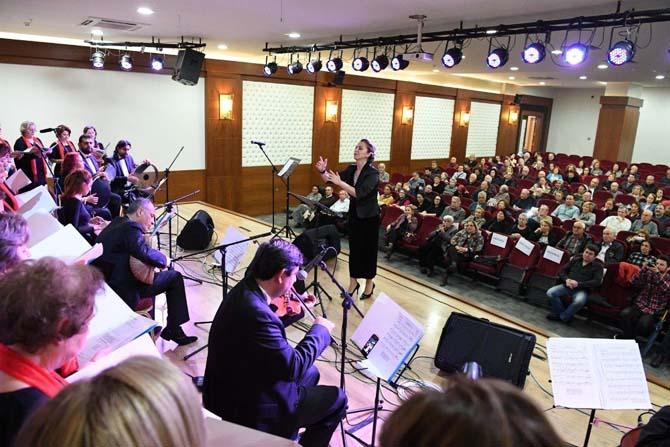 Konyaaltı Belediyesi TSM Kadınlar Korosu'ndan konser