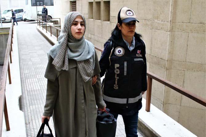 Bursa'da FETÖ operasyonunda gözaltına alınan 10 kişi adliyeye sevk edildi