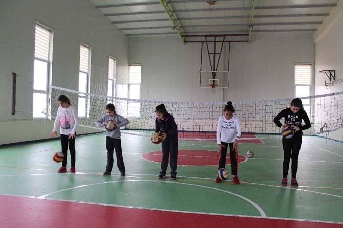 Çınar Kolejinde kulüp çalışmaları başladı