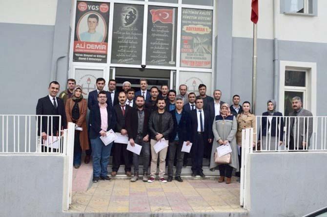 Besni'de başarılı öğretmenler ödüllendirildi