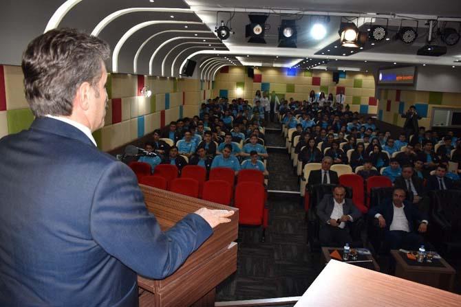 Başkan Şenocak mesleki eğitimin önemine değindi