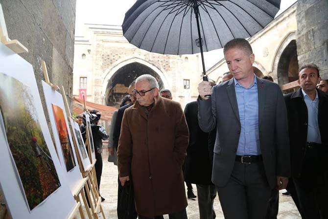 Sivas tarihi mirasını anlatan fotoğraf sergisi açıldı