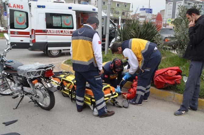 Yeni aldığı motosiklet ile kaza yapan sürücü yaralandı