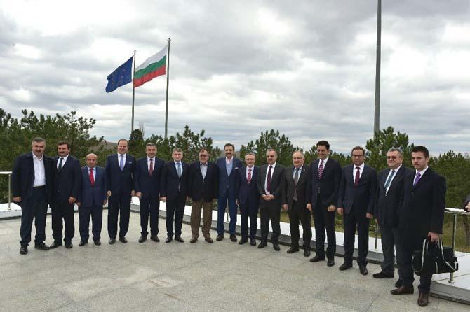Maliye Bakanı Ağbal ve TOBB Başkanı Hisarcıklıoğlu, Kapıkule tır parkında incelemelerde bulundu