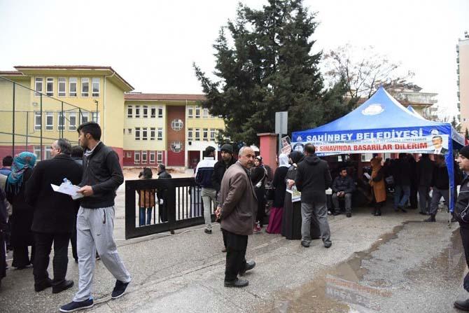 Şahinbey Belediyesi YGS'ye giren öğrencileri ve ailelerini unutmadı