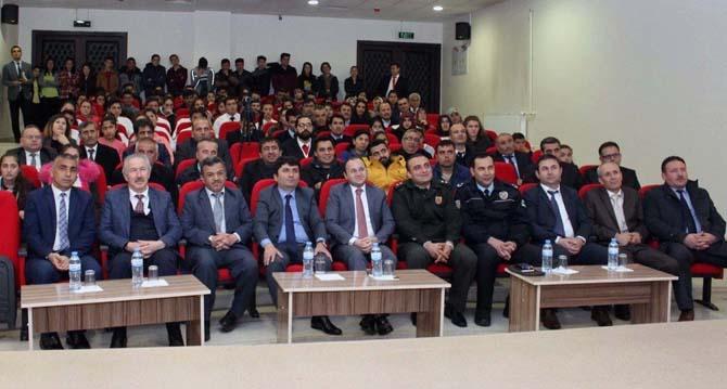 """Tufanbeyli'de """"Kahramanlık"""" şiir yarışması ödülleri verildi"""