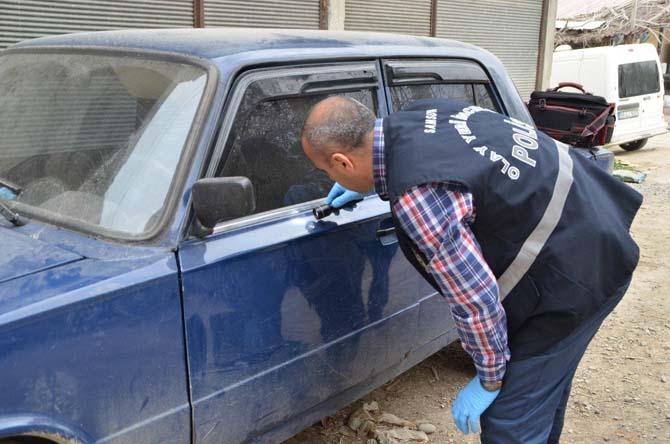 Bafra'da otomobilden teyp hırsızlığı