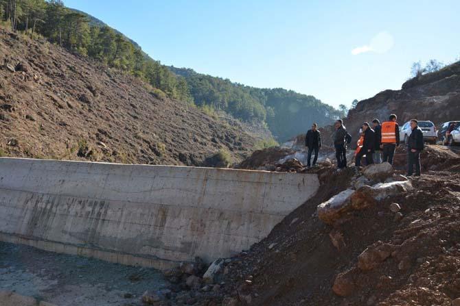Coşkun, Alanya Yeniköy baraj inşaatını inceledi