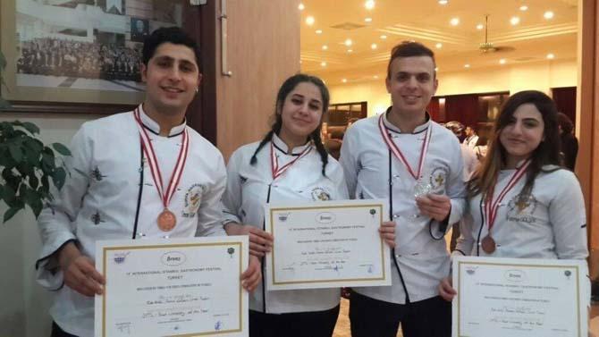 Harran Üniversitesi aşçıları başarılarına bir yenisini ekledi