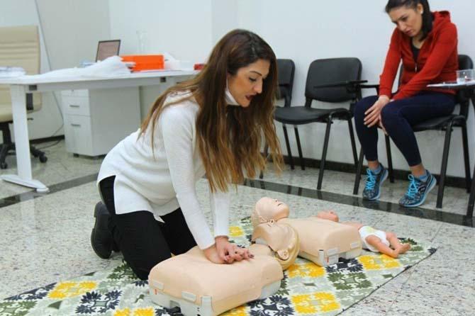 Kartal Belediyesi personeline ilk yardım eğitimi