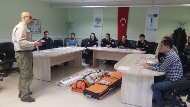 TESKİ personeline 'Hasta, Yaralı Taşıma Teknikleri Eğitimi' verildi