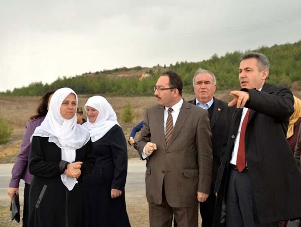 Vali Elban ve eşi Yeniköy'de kadın çiftçilerle buluştu