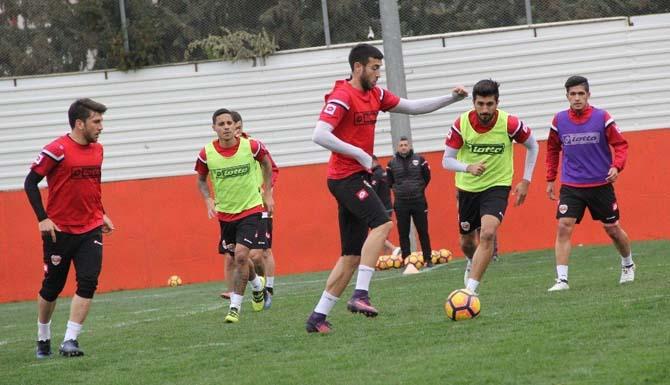 Adanaspor'da Akhisar Belediyespor maçı hazırlıkları sürüyor