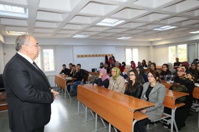 Belediye Başkanı Kutlu geleceğin öğretmenlerine ders verdi