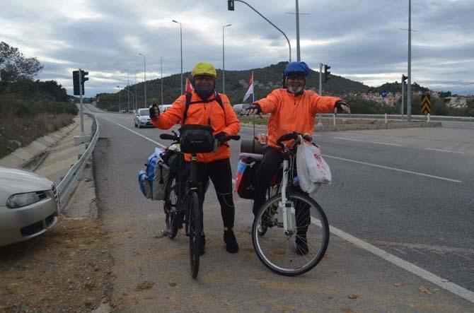 Engelliler için pedal çeviriyorlar