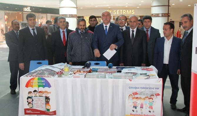 Elazığ'da 'Koruyucu Aile' standı açıldı