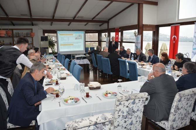 Başkanı Eşkinat meslek odaları başkanları ile kahvaltıda buluştu