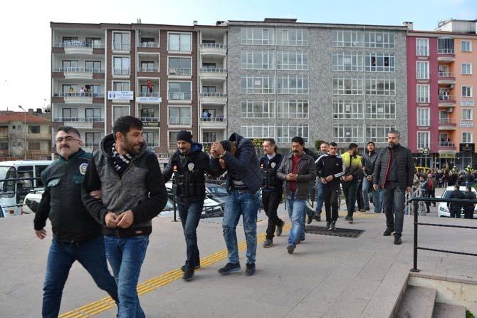 Şafak operasyonunda yakalanan 31 zehir taciri adliyeye sevk edildi