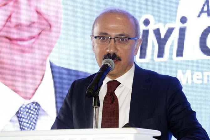 """Bakan Elvan: """"Ana muhalefet her şeye 'hayır' diyor, çünkü dertleri millet değil"""""""