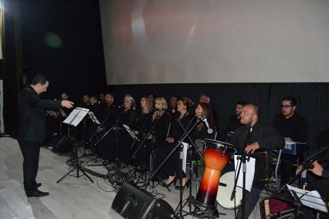 Kozan'da şehitler anısına Türk Halk Müziği konseri