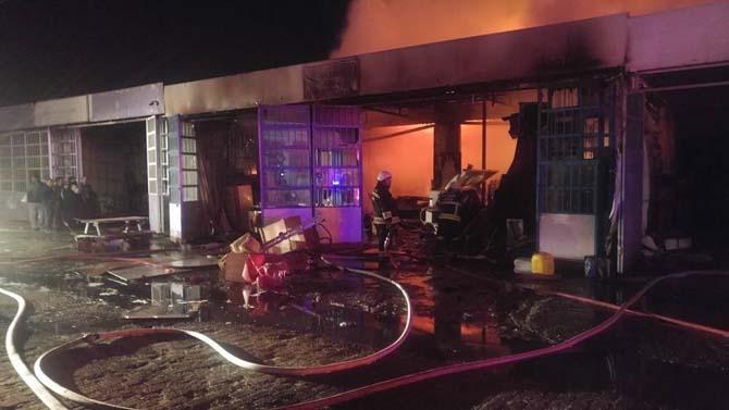 Kuşadası'nda iş yeri yangını; 1 ölü