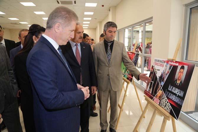 Sivas'ta lise öğrencileri 15 Temmuz sergisi açtı