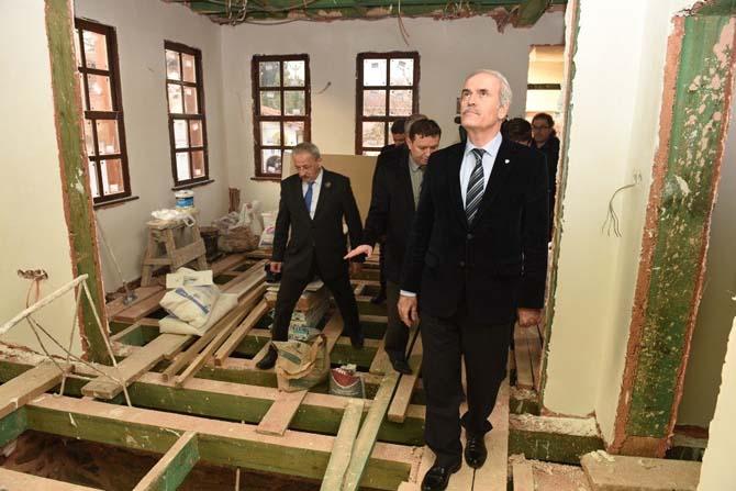 Tarihi okul binası Büyükşehir ile yenileniyor