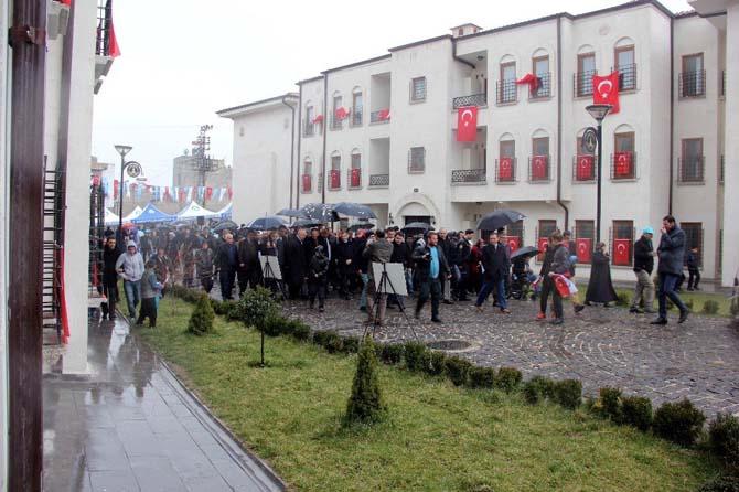 Bakan Özhaseki, Gaziantep'te Yazıcık konutlarının açılışını yaptı
