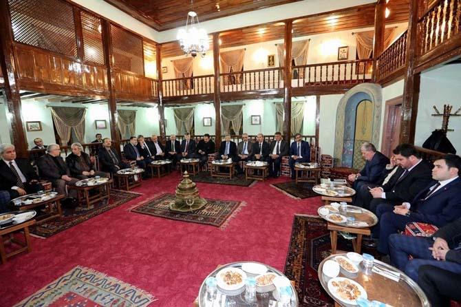 Cumhurbaşkanı Başdanışmanı Çevik İrfan Meclisi'nin konuğu oldu