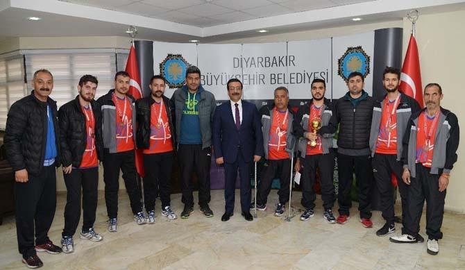 Sporculardan Başkan Atilla'ya ziyaret