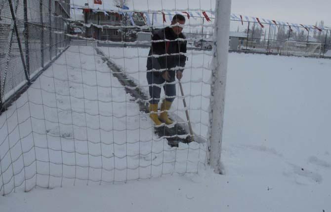 Mart karı amatör maçları erteletti