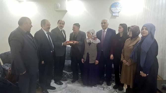 Başkan Soğanda şehit ailelerini ziyaret etti