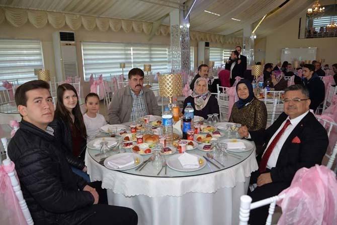 Başkan Yağcı, şehit aileleri ve gazilere yemek verdi