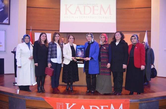 KADEM'den Cumhurbaşkanlığı Sistemi semineri