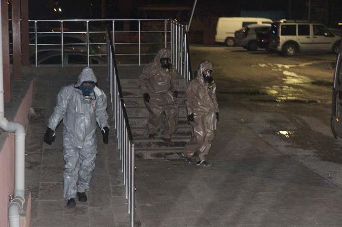 Kimyasal saldırı şüphesiyle Kilis'e getirilen 2 Suriyeli KBRN kontrolünden geçirildi